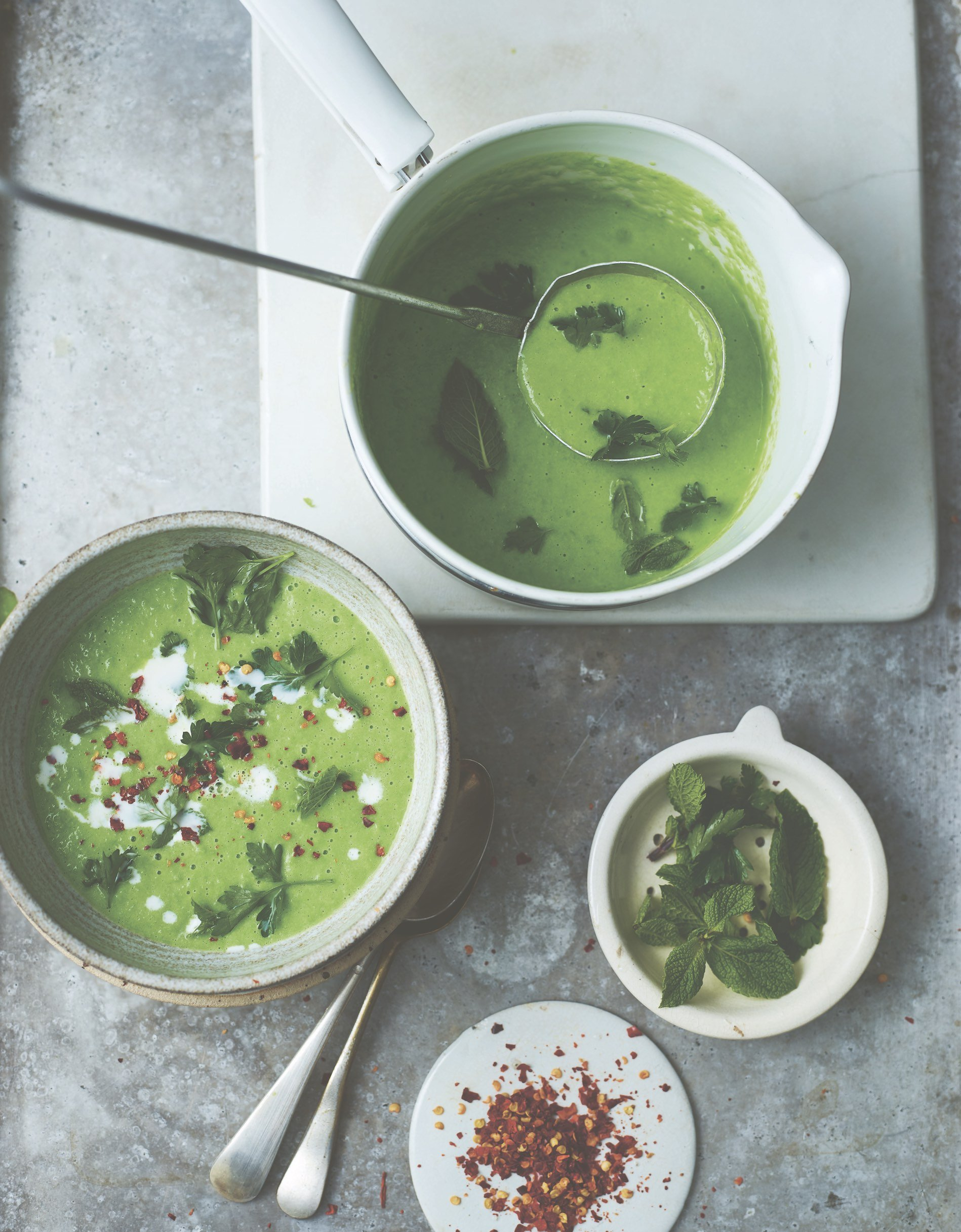 Herby pea soup